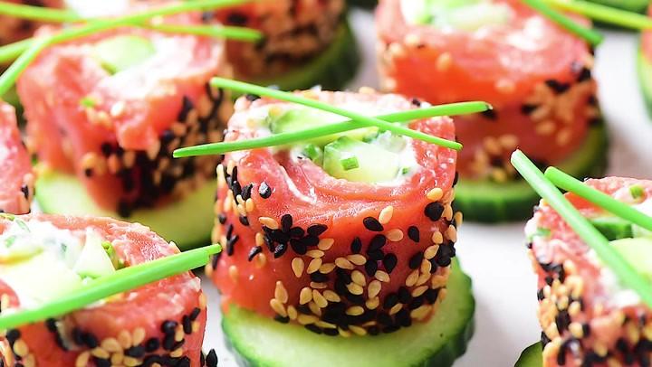 Tzatziki Avocado,Salmon roll